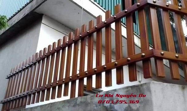 Thợ làm hàng rào sắt tại Bình Dương