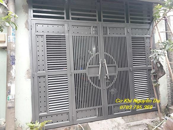 Thợ làm cửa sắt tại quận Tân Phú