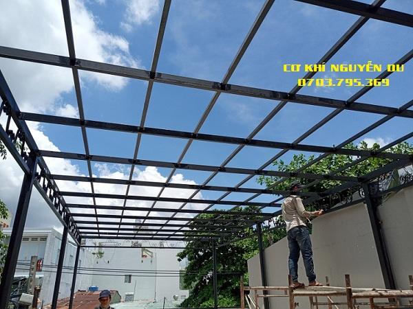 Dịch vụ làm mái nhựa poly tại Quận 4