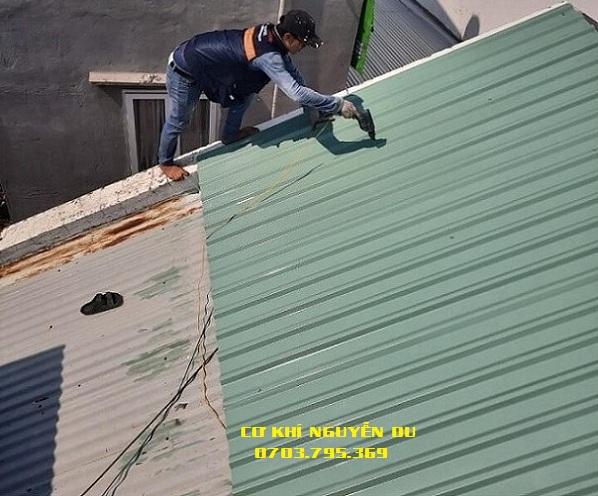 Dịch vụ làm mái tôn tại Thuận An